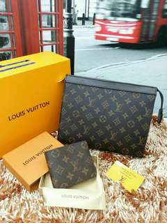 Lv Clutch with wallet