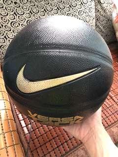 Nike 籃球 室內籃球場打個三次 急放 一口價 7號 橡膠