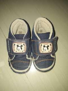 sepatu Disney baby