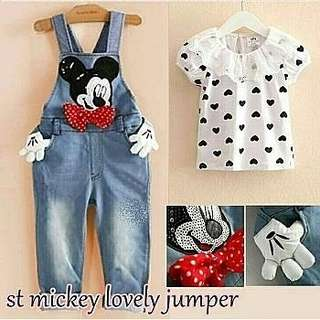Set mickey lovely jumper kid Rp80.000 inner print pake renda+jumper bhn denim chambray applikasi tgn mickey+ribon polka,pinggang karet,kancing hidup,untuk ank 3 sd 5 th tdk ada pilihan size