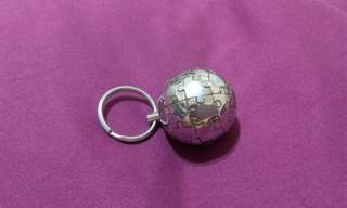 澳洲帶回 金屬地球拼圖造型鑰匙圈