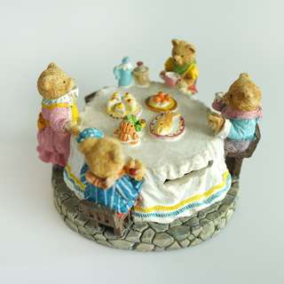 Vintage English Clay Sculpture Collection - Teddy Bears Coin Bank