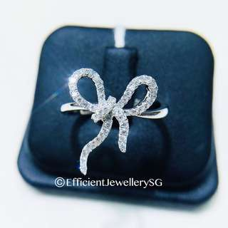 18K 750 White Gold Swivy Ribbon Diamond Ring