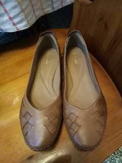 🚚 Clarks41吋咖啡色女鞋