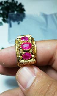 Robies in Gold ring 60crt
