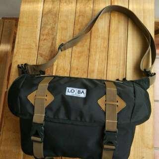 Black Pasific Sling Bag