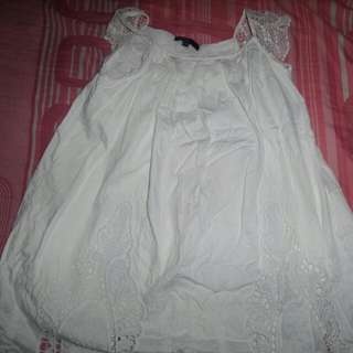 White Lace Dress 9-10yrs old