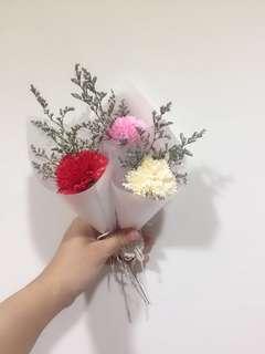Soap flower mini bouquet