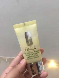 Clinique dramatically different moisturizing gel