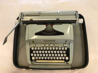 Pre Loved Hermès Portable Typewriter Still Useable