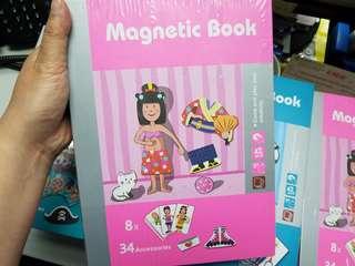 小朋友出街唔一定要玩電話--Magnetic book 磁石貼玩具書(女仔)