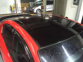 Car roof gloss black wrap service