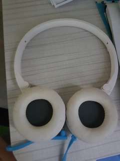 HP Wired Earphones  (used selling cheap)