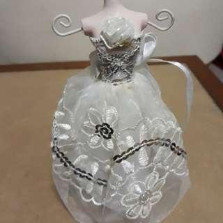 🚚 陶瓷新娘白紗 擺飾