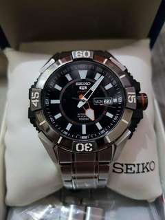 Seiko 5 Sport Automatic 24 Jewels