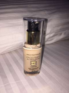 Max Factor 3 in 1  foundation (Primer, concealer and foundation)