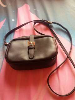 Sling bag pull and bear second