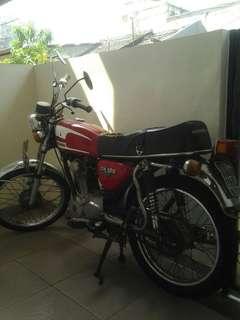 Honda CB Gelatik 76