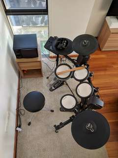 Yamaha DTX700 Electronic Drum Kit