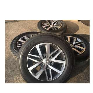 18inch SPORT RIM 4x4 TOYOTA FORTUNER ORIGINAL WHEELS AND TYRE 99%