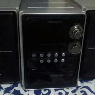 Dvd player merk samsung warna.hitam silver
