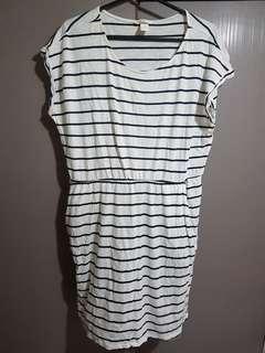 Plus Size striped dress with pockets