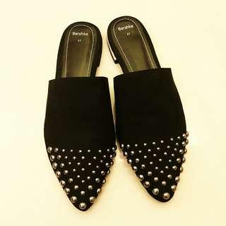 🚚 BERSHKA 時尚鉚釘拖鞋 涼鞋(Size 37)
