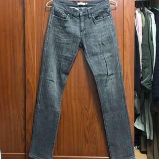 🚚 NET 黑色刷色小直筒牛仔褲