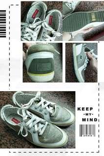 🚚 鱷魚牌休閒鞋