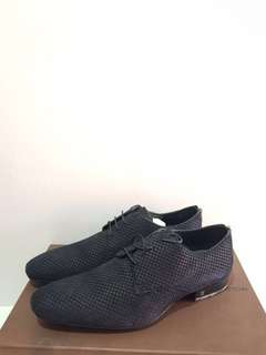 Reprice lv man shoes