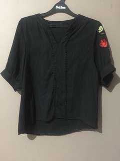 Black embroidery blouse