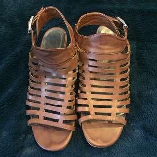 Preloved brown shoes 6.5
