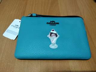 Coach Wallet 100% new
