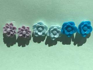 Handmade resin flower studs - medium