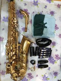 新淨Yamaha 中音色士風 Alto Saxophone YAS-275,連配件及case