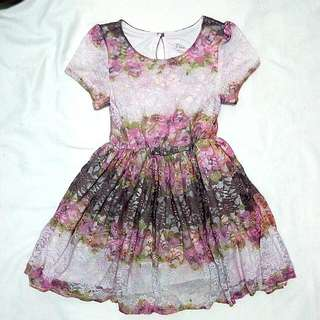 Lace dress- 5/6 years