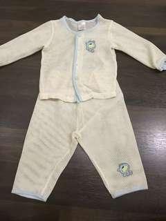 Serba 10ribu. Preloved baju rumah panjang ukuran 12-18 bulan