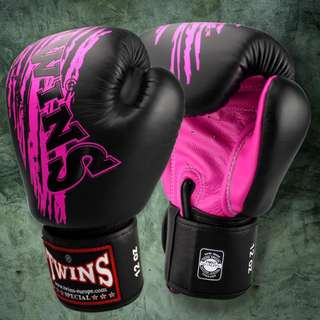 Twins Special Muay Thai Gloves 'Fancy' Black/Pink – 12 oz