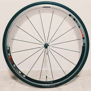 Shimano RS30 Clincher WheelSet w Tyres