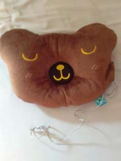 Pillow with speaker
