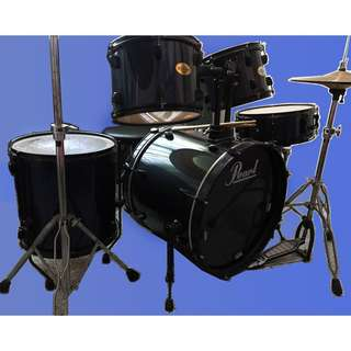 5 piece Pearl drum set