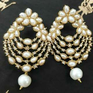 Grand Pearl Earrings