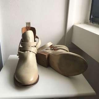 Steve Madden Boots Size 35