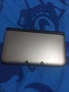 Nintendo 3DS LL 銀色