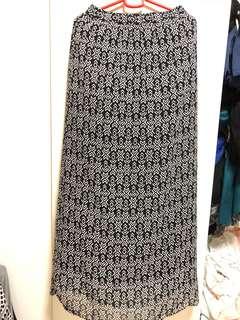 FOREVER 21 printed maxi/long skirt
