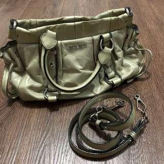 miumiu 袋 欧洲買 斜跨包 手挽袋