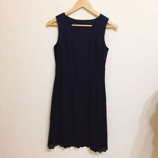 🚚 深藍色鏤空蕾絲洋裝