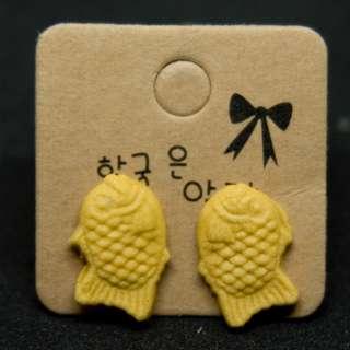 Clay miniature: Taiyaki earrings