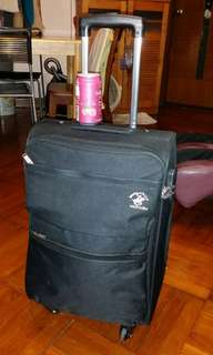 Carry on in flight 22 inch luggage, 14 inch wide, 8 inch deep, Polo Club, very new, (security number lock can be used), trade in Tuen.Mun