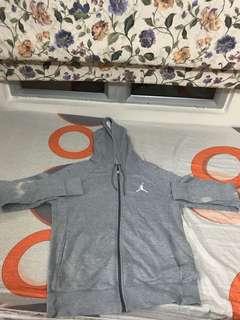 Jordan 灰色外套 L碼 小小脫色 平放